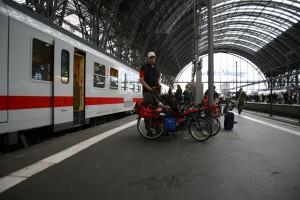Am Bahnhof Frankfurt
