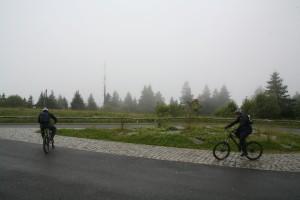 Mountainbiker auf dem Großen Feldberg