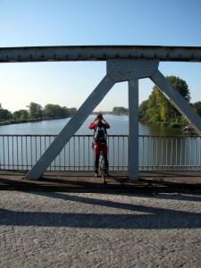 Auf der Brücke über die Oder