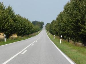 Endlose leere Straßen in Mecklenburg-Vorpommern