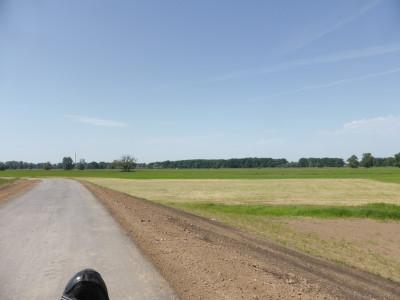 Nagelneuer Radweg