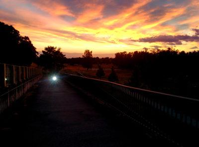 Fahrradlicht und Sonnenuntergang