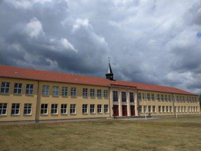 Dunkle Wolken über Briesen