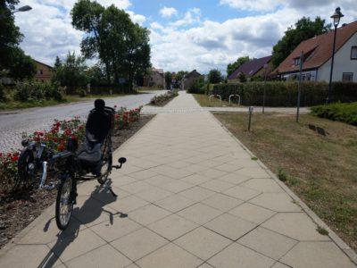 Leere Straßen, Sonne, Wolken, Speedmachine ... Brandenburg
