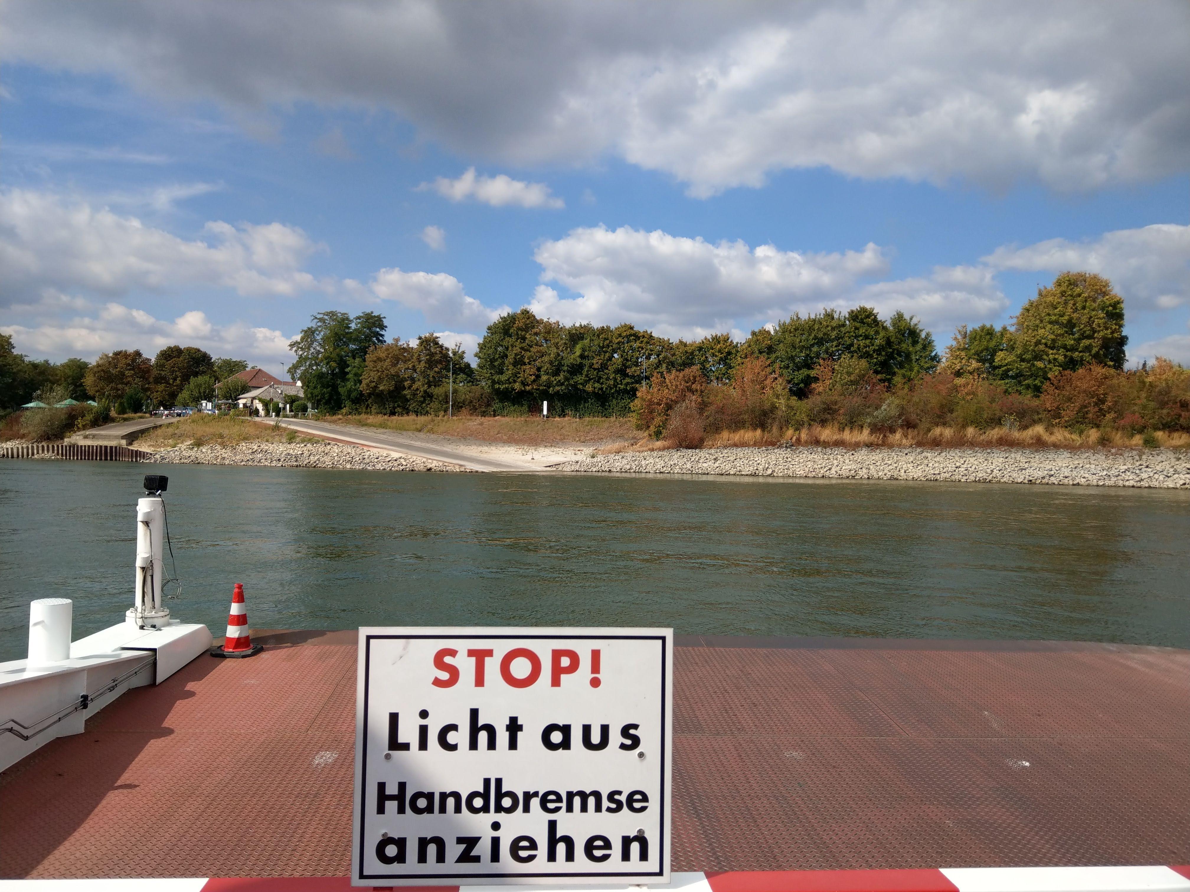 Rheinfähre Gernsheim