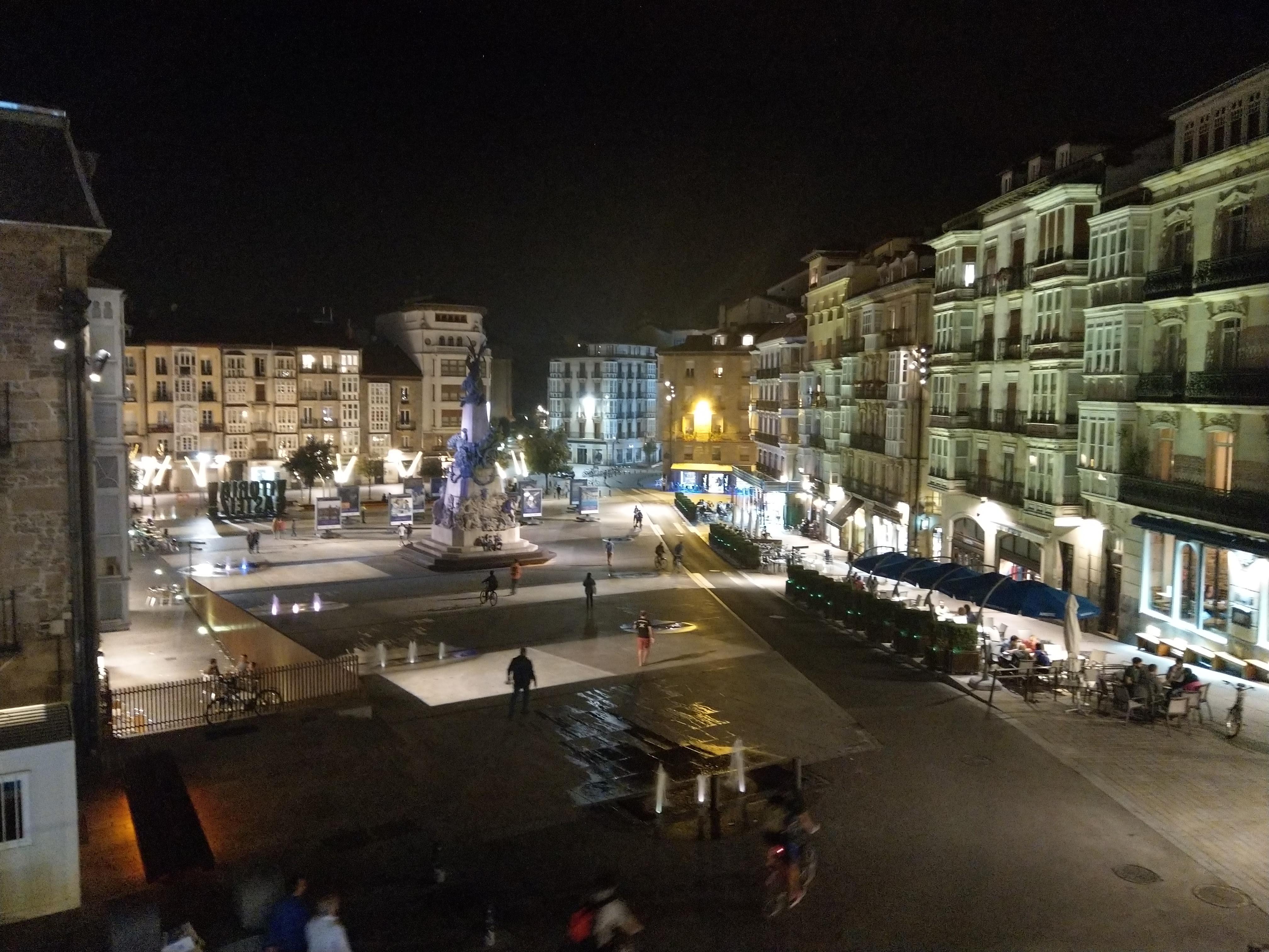 Vitoria-Gasteiz bei Nacht