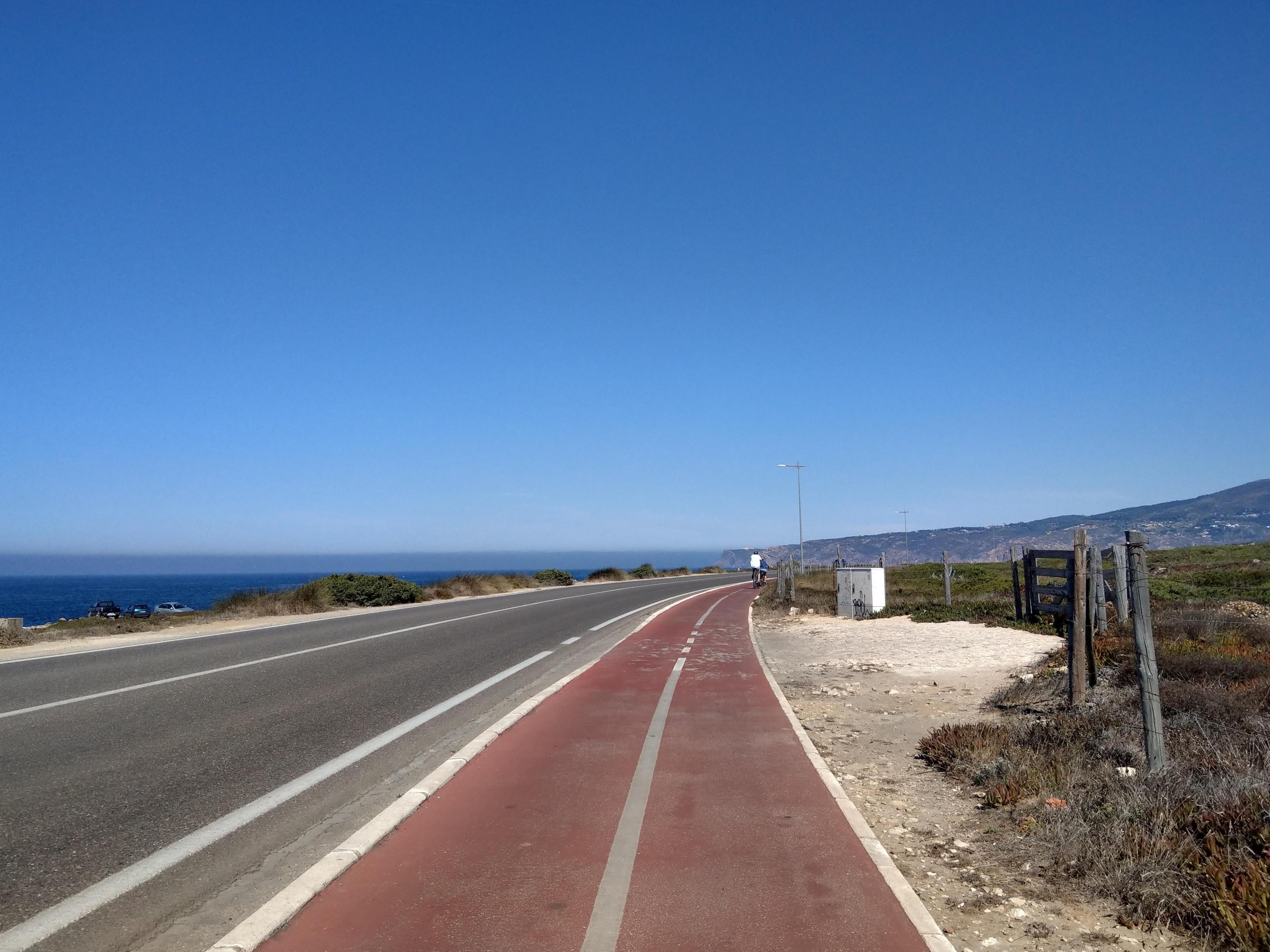Radweg an der Küste