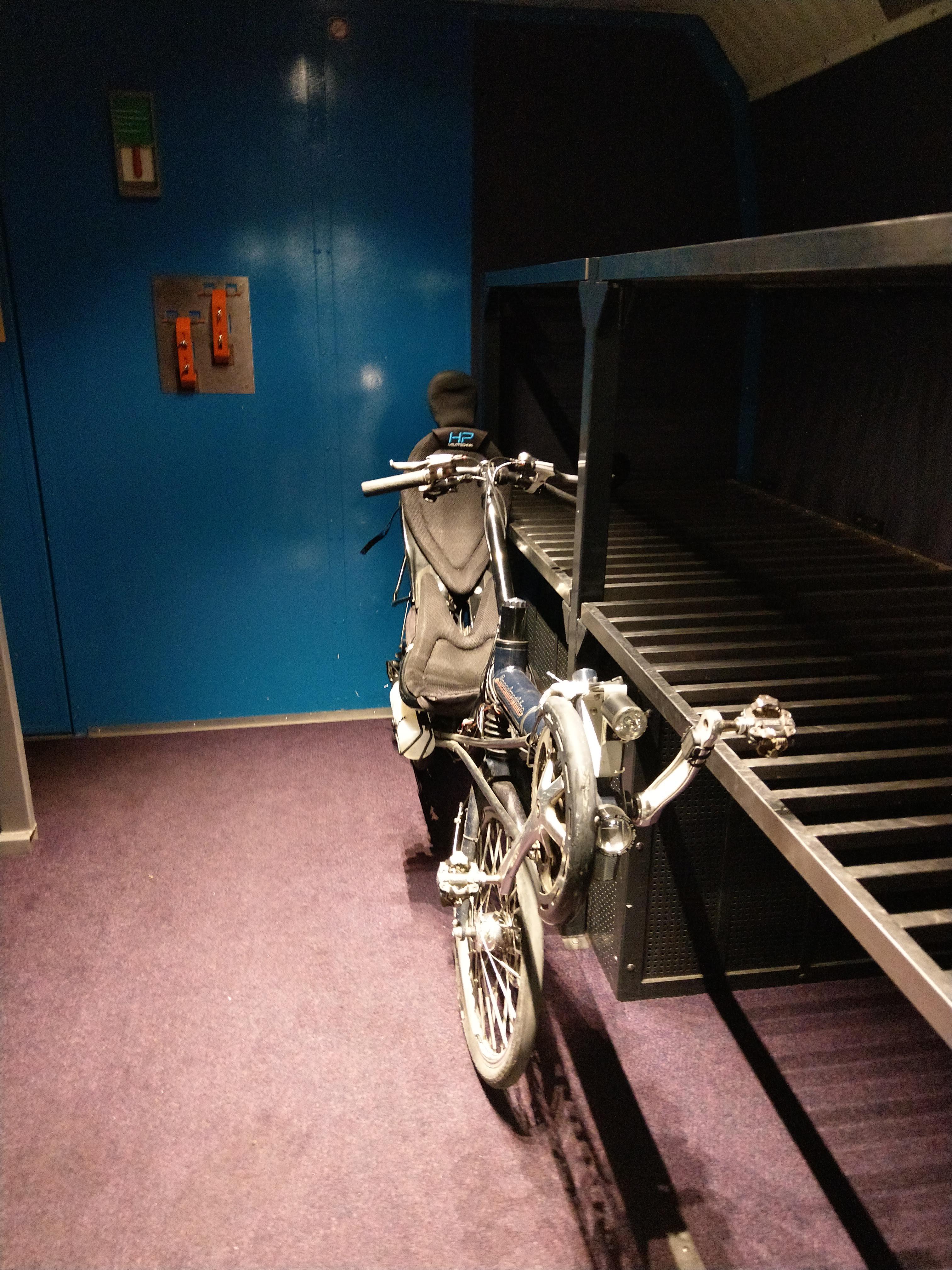 Fahrrad im einstöckigen TGV