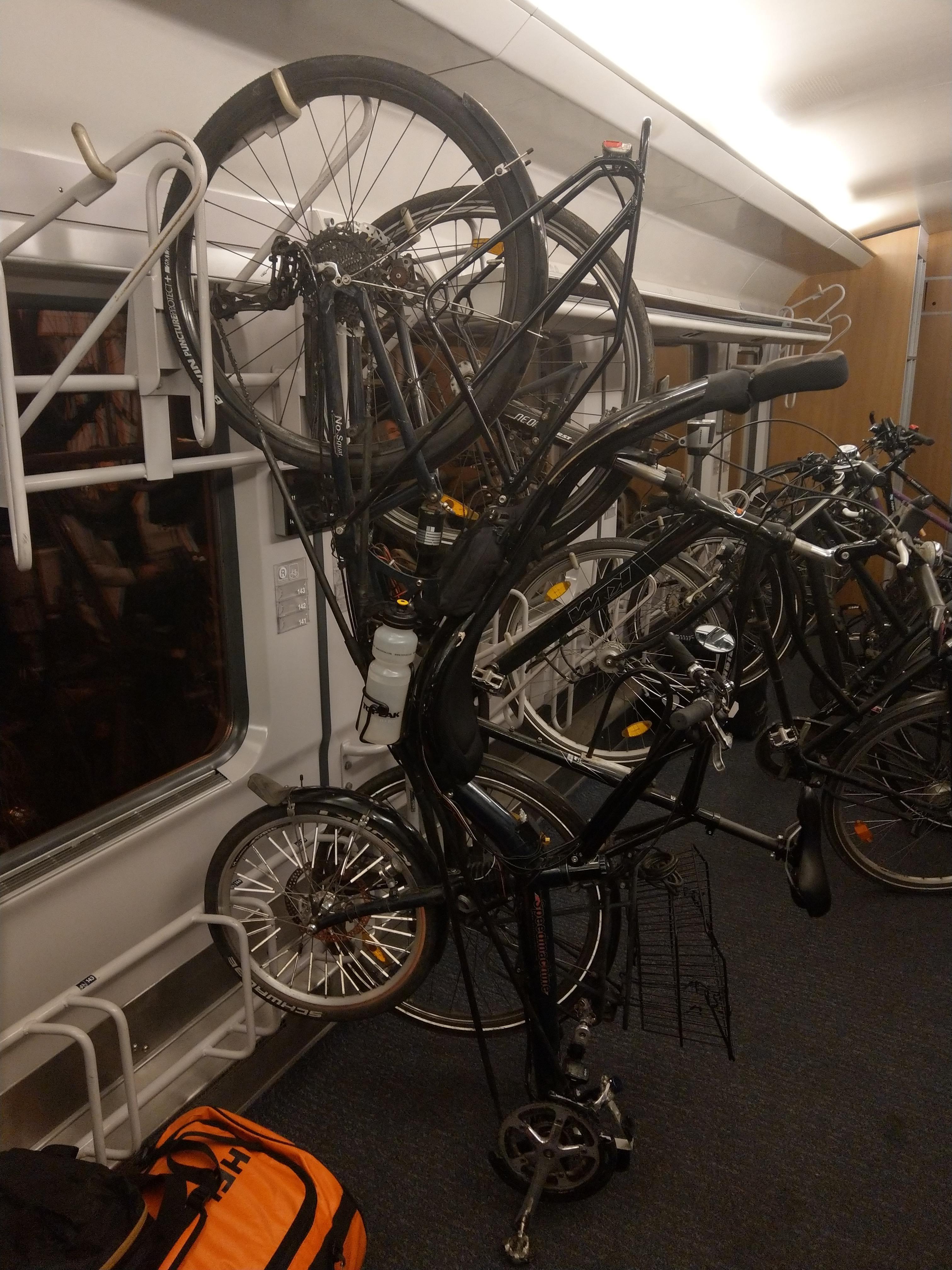 Fahrrad im IC der Deutschen Bahn