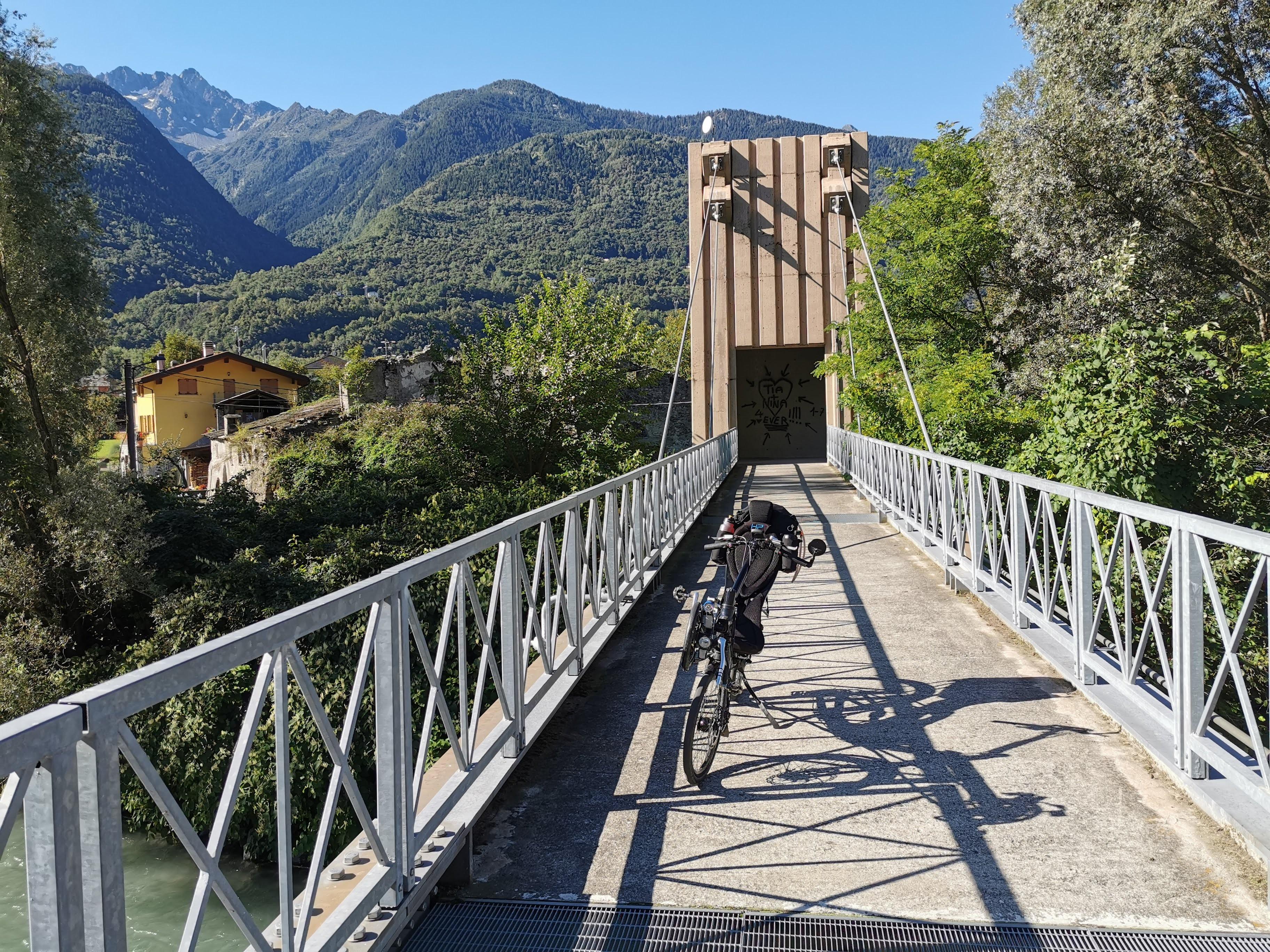 Radwegbrücke an der Adda
