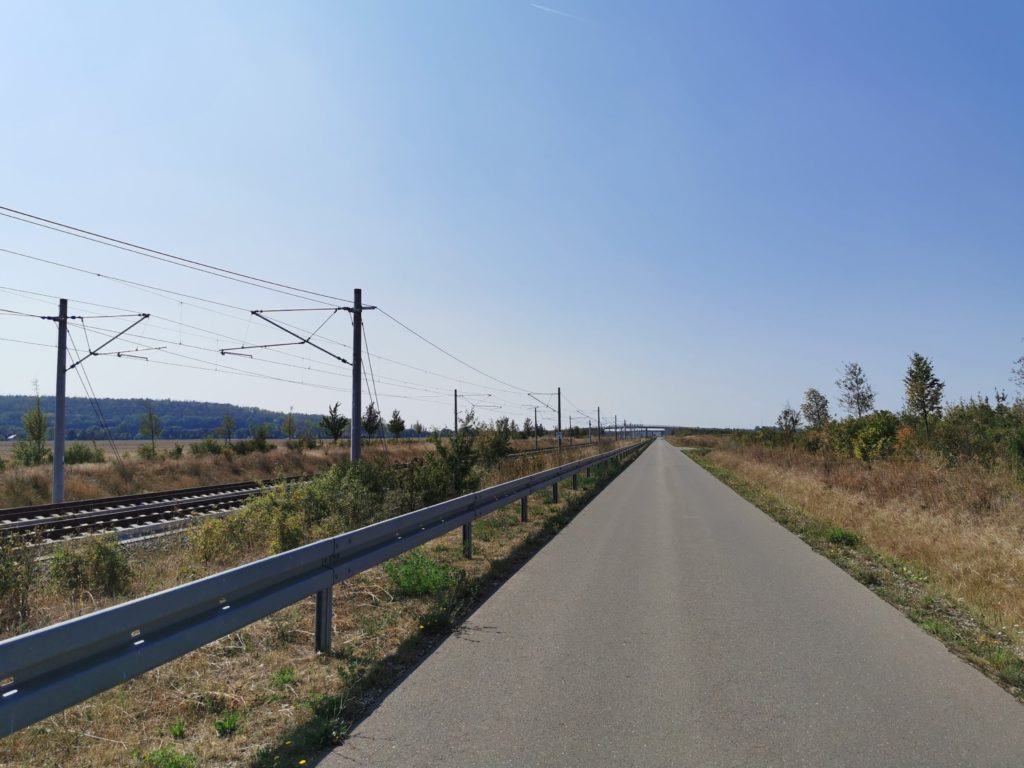Serviceweg der Schnellfahrstecke Halle-Erfurt
